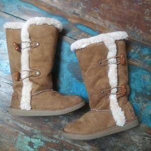 Cozy Boots grls sz 13
